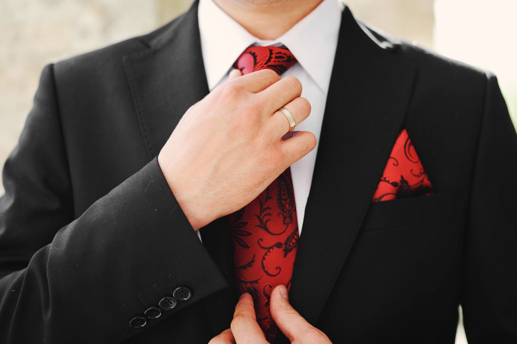 Outdoor Wedding Attire Guide: What To Wear For Every Dress Code