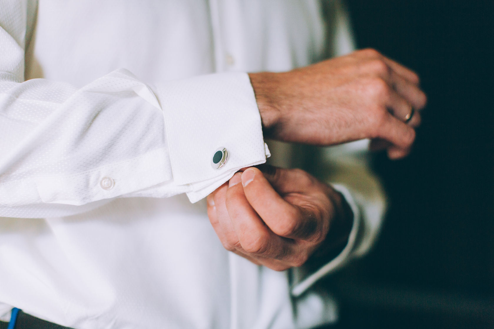 how to wear cufflinks the ultimate guide for men