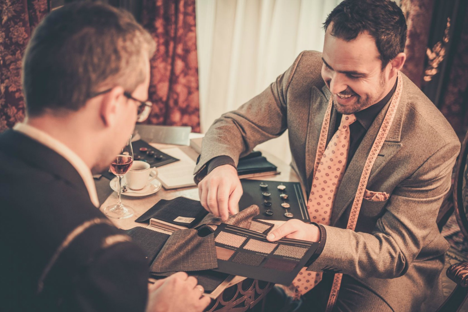 Bespoke Suits vs. Off the Rack: Key Differences